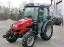 Massey Ferguson MF 2.405  Kategoria Traktory Marka / Model Massey Ferguson MF dwa tysiąc czterysta pięć Rok 2008  Szczegóły Typ ciągnika Ciągniki rolnicze Moc silnika 33 KM Przebieg, godzin 590 h Typ ogumienia przedniego 7.50 x 16 Typ ogumienia tylnego 32