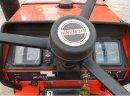 Ciągnik Hinomoto 2340 E z ładowaczem czołowym