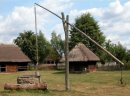 Ukraina. Oddamy stare drewniane budynki do rozbioru, rancza PGR-owskie, wies do zagospodarowania. Za darmo bale suche, radziecka cegle rozbiorkowa, mebli, domy do przeniesienia i dalszego wykorzystania. Krowniki, swinarniki, stawy, sady, nieuzytki lezace
